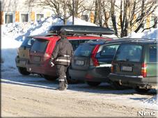 Lapplisan var i farten vid sjukhusets parkeringar.