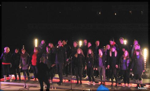 """Team Andreas och Team Gabriel inleder med """"Sing for me""""."""