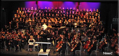 Kör och orkester i Carmina Burana.