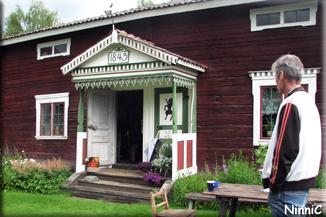 120718 Elvens antik & Café i Norrby.