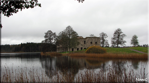 121022 Ruinen Eksjöhovgård i Sävsjö.