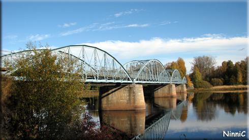 120928 Blå bron i Ljusdal.