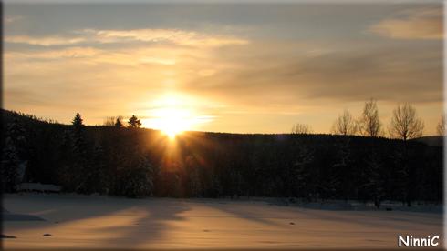 121202 Solen försvinner bakom bergen