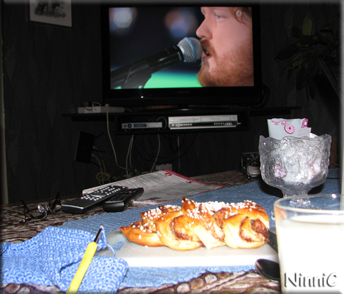 151113 Fredagsmys med nybakt bröd.