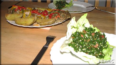 160130 Köttfärslimpa med potatis och tabbouleh