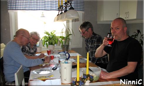 170428 Middag med mor far och brorsan