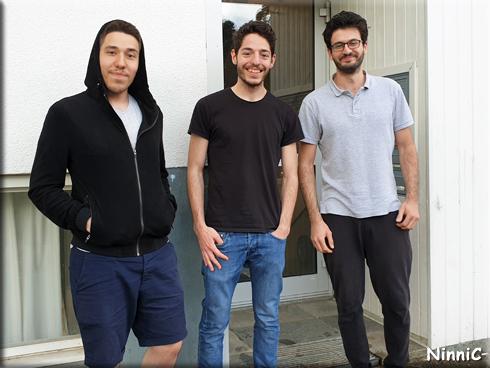 Hasan, Ahmad och Alaa följde oss ut när vi skulle åka hem