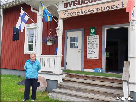210822 Vid Skräddrabo bygdegård.